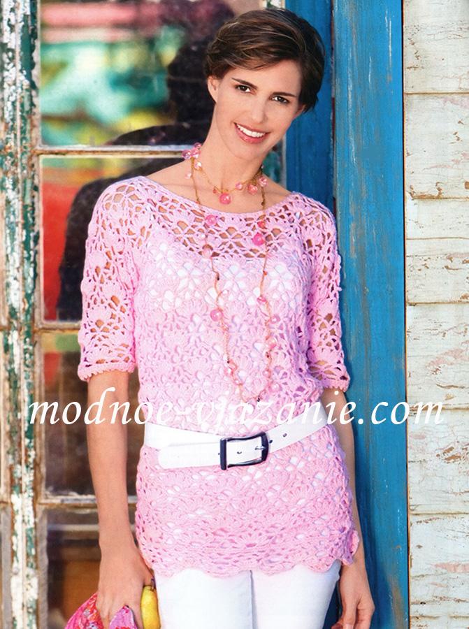 Розовая туника с крупным узором